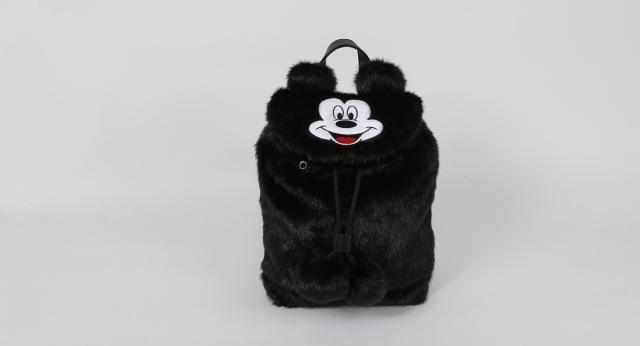 mickeybag_03_mickeymousefurbackpack